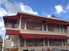 Отель Gibb′s Chateau
