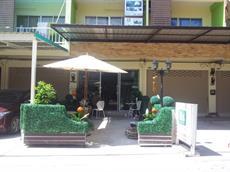 Отель Bangsean Room Female Dormitory