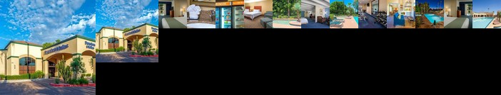 Days Inn & Suites by Wyndham Scottsdale North
