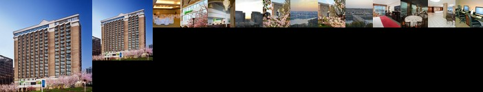 Holiday Inn Rosslyn at Key Bridge