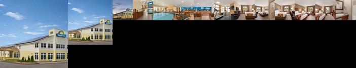 Days Inn by Wyndham Airport Maine Mall