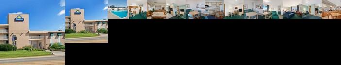 Days Inn & Suites by Wyndham Kill Devil Hills Mariner