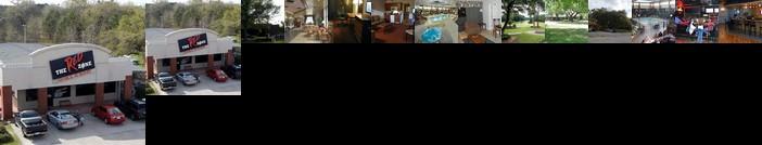 Diamondhead Inn & Suites