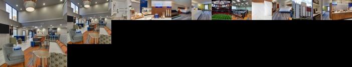 Holiday Inn Express & Suites Atlanta Perimeter Mall Hotel