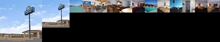 Days Inn & Suites by Wyndham Santa Rosa