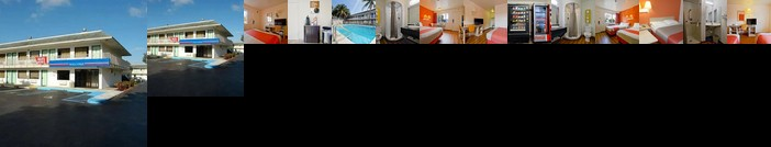 Travelodge by Wyndham Pompano Beach