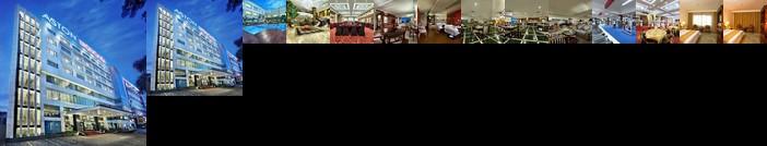 Aston Tropicana Hotel & Plaza