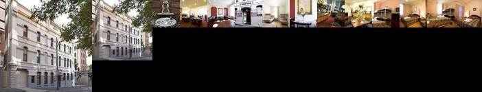 Woolbrokers Hotel