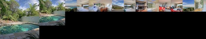 11 James Cook Apartment