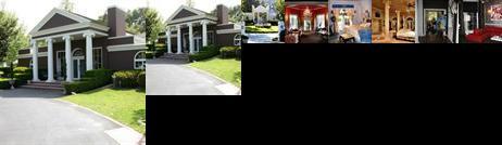 Oak Creek Manor Luxury Bed and Breakfast