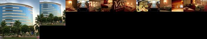Van Royal Hotel
