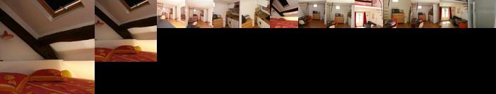 Marais Studio with Mezzanine 334