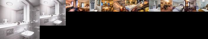 Bishop's Gate Hotel & Apartments