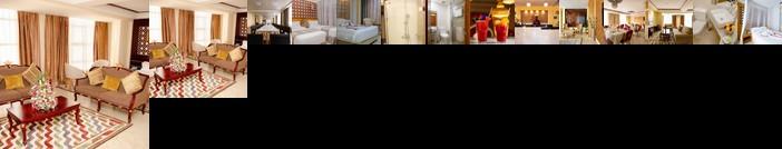 Saab Royale Hotel
