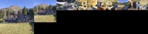 Three Peaks Luxury Villa by MajorDomo