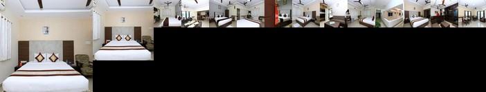 OYO 5045 Apartment NKS Leo Inn