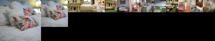 Poppy Sister Inn