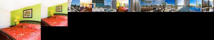 Beautiful 8th Floor 1 Bedroom Condo 1 Block to Beach Free Parking & WIFI