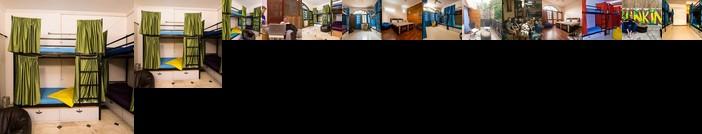 Bunkin Hostel