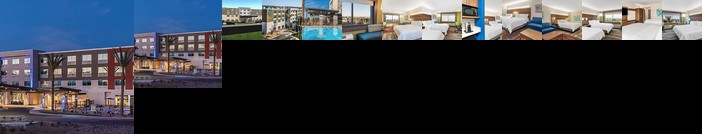 Holiday Inn Express & Suites Lake Havasu - London Bridge
