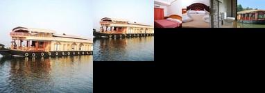 Amrutham Houseboat 4