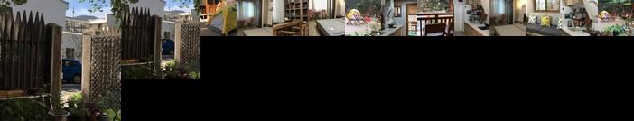 Near Yuelu Mountain Hunan University Scholarly Apartment