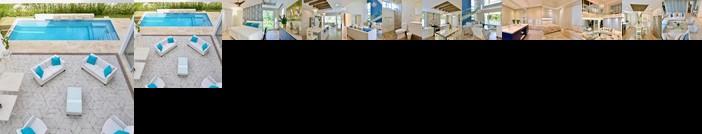 Exquisite Modern Tropical Villa w Pool Sleeps 10