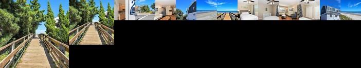 Beach Cottage Breeze Suite 2 bed/1 bath condo 1 block from beach