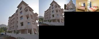 OYO 28642 Janavi Resort