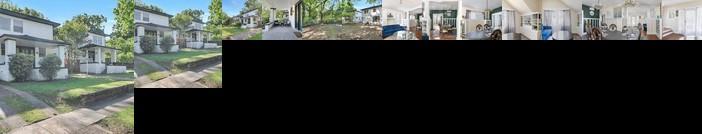 Birmingham Blazers bungalow 5 mins from UAB Sleeps 12 Pets OK
