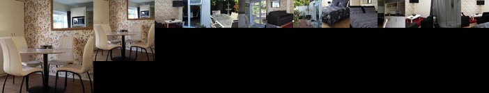 Large Studio with private patio Sky TV & wifi