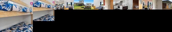 98 Steps To The Beach - Waihi Holiday Home