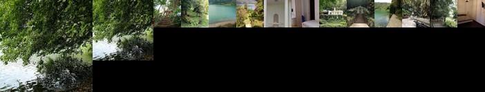 Villa nel bosco con accesso diretto al lago