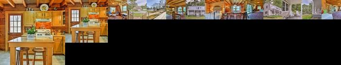 Spacious Freeport Home w/ 2 Decks & Water View