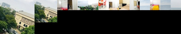 AC / Beach Vibes / Family Home/ Breakfast /Balcony Sunrise