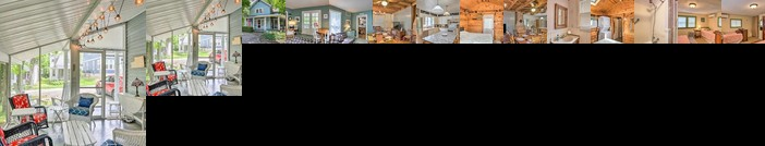 Spacious Lakeside Cottage 2 Mi to Marblehead