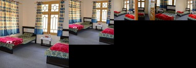 Galaxy Guest House Karimabad